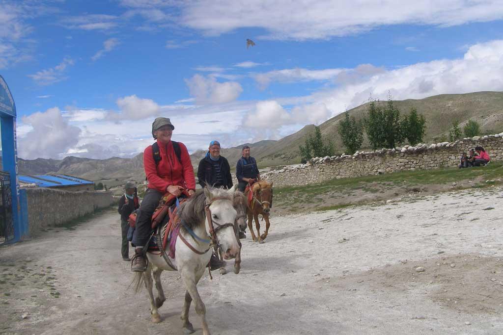 horse-riding-to-choser