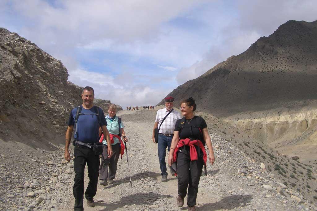 trekking-in-mustang