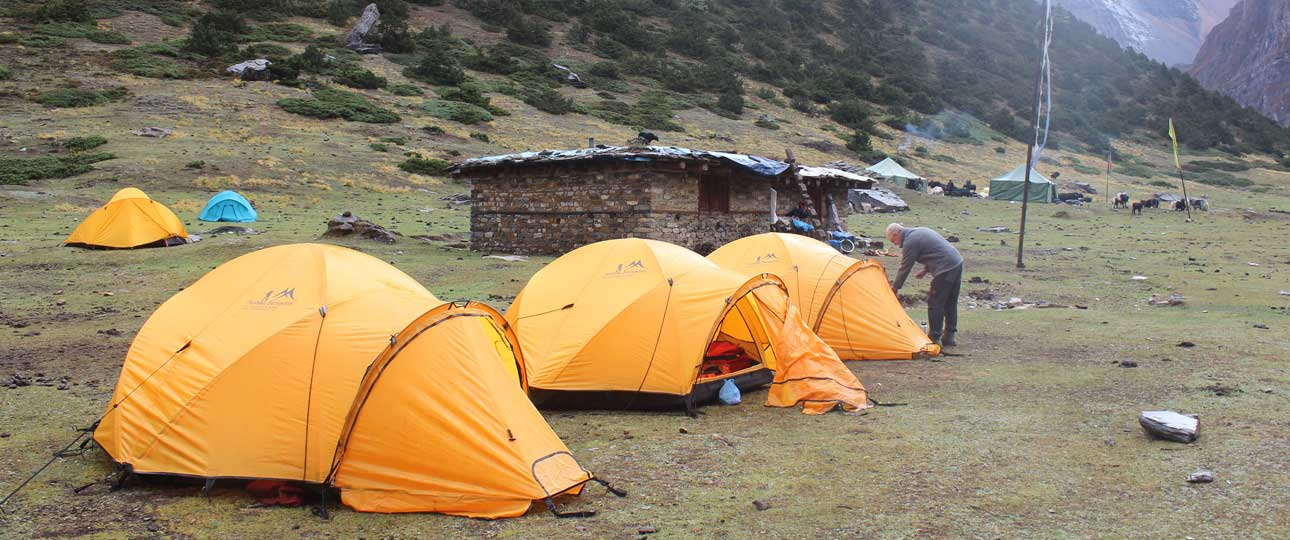trekking-equipment-list